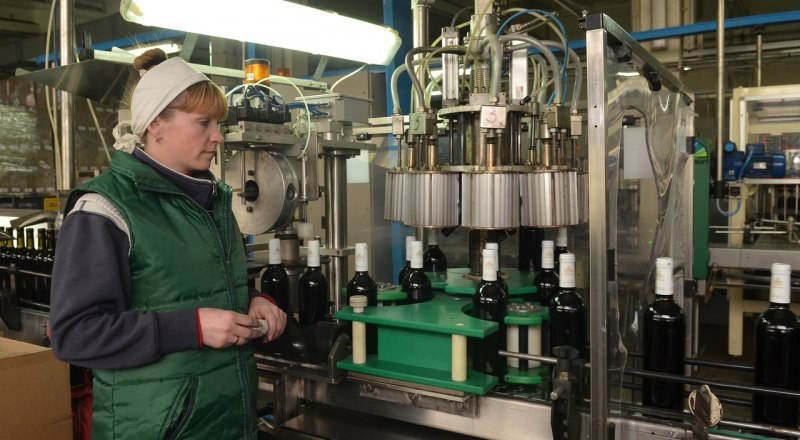 Сейчас производители качественного вина и «шмурдяка» работают в равных условиях. Так быть не должно!