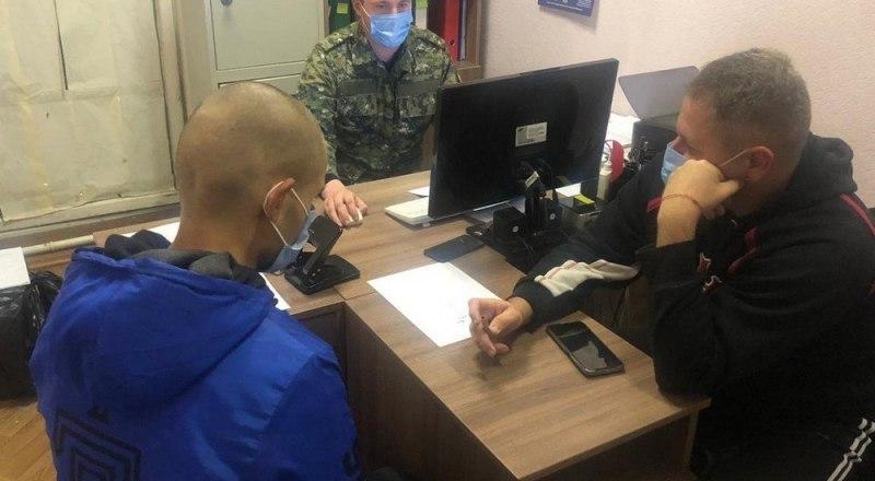 Негодяй признался в содеянном преступлении. Фото пресс-службы ГСУ СК по Крыму и Севастополю.