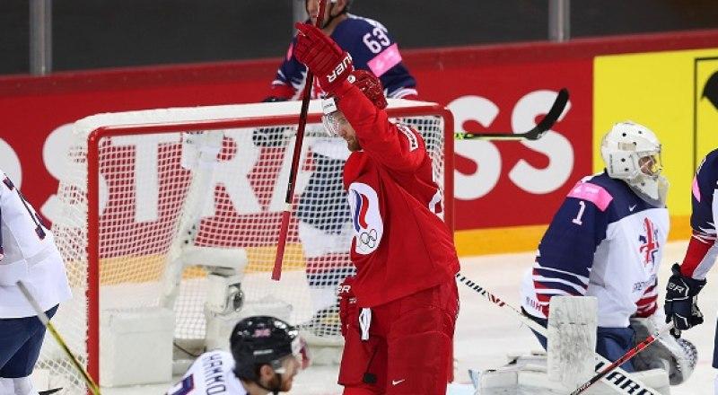За 19 секунд до конца поединка россияне забили победную шайбу в ворота сборной Чехии - 4:3.