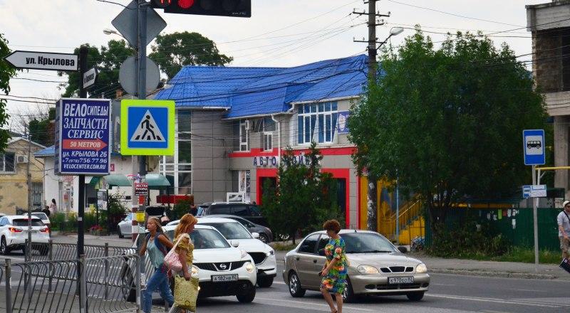 Проезд на красный сигнал светофора пока стоит от 1 до  5 тысяч рублей.
