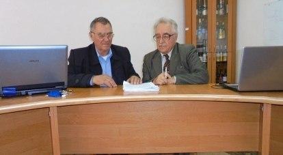 На фото винодел Николай Донцов и профессор Евгений Шольц-Куликов.