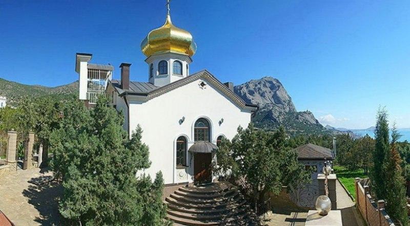 Храм святителя Луки в Новом Свете. Фото автора.