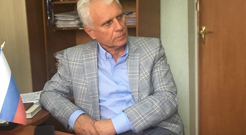 Владимир Баженов.