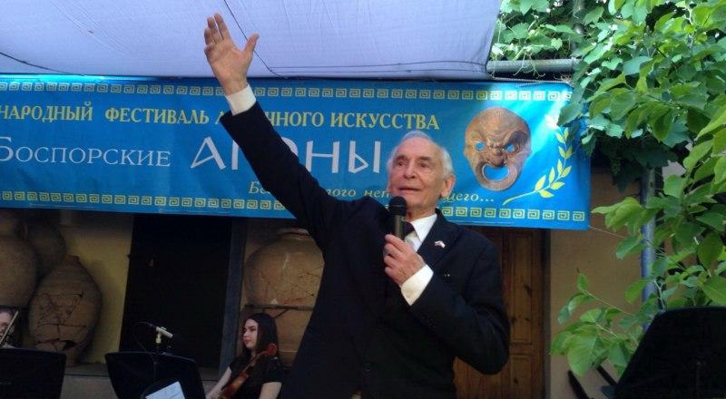 Ветеран фестиваля Герой труда России Василий Лановой.