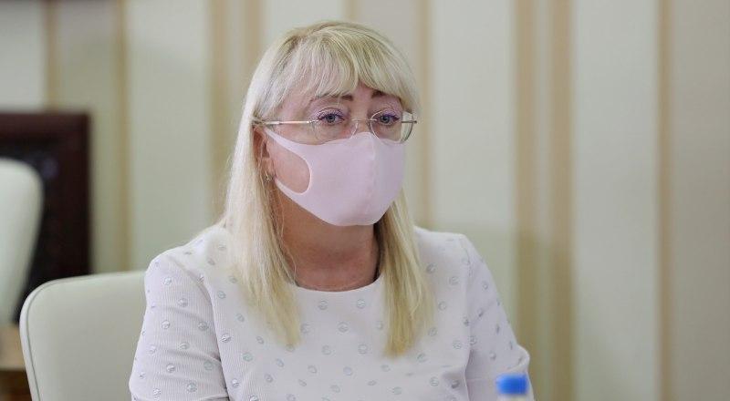 Министр финансов республики Ирина Кивико презентовала крымскому правительству проект бюджета на следующий год.