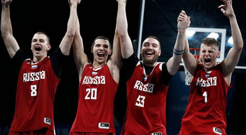 Вот эта радостная четвёрка парней, ставшая первыми чемпионами Всемирных пляжных игр-2019, планирует стать и первыми чемпионами Олимпийских игр-2020 по баскетболу 3х3.
