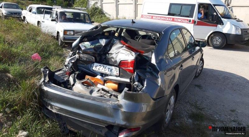 Машины получили разные повреждения. Некоторым досталось серьёзно.