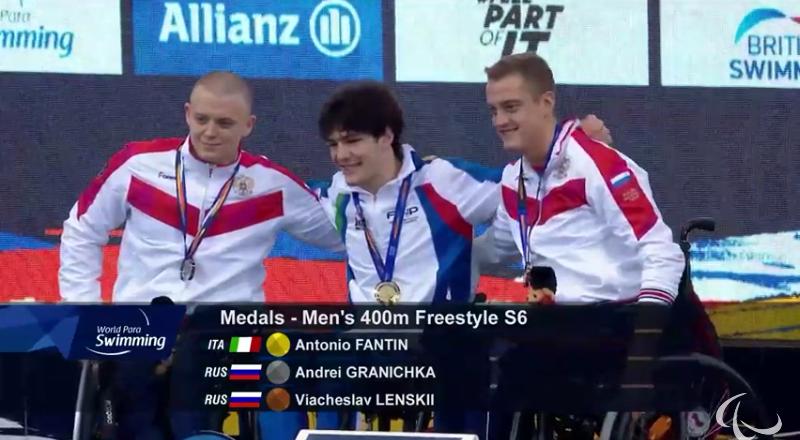 Андрей Граничка - слева.
