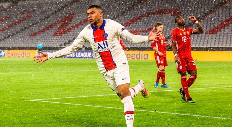 Герой матчей «ПСЖ» - «Бавария», игрок нынешнего чемпиона мира сборной Франции Килиан Мбаппе, забивший два мяча в ворота немцев.