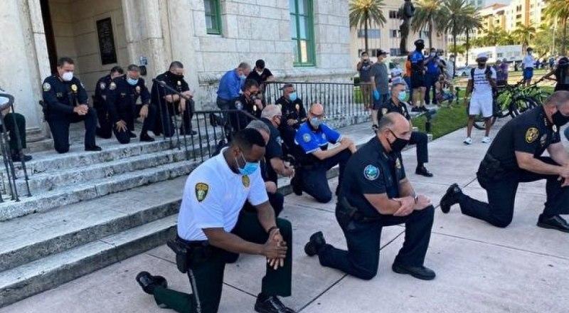 «Полиция с народом»? Где-то мы уже видели подобное…