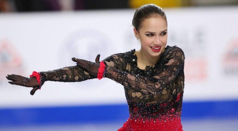 Олимпийская чемпионка по фигурному катанию Алина Загитова впервые стала чемпионкой мира в японском Сайтаме.