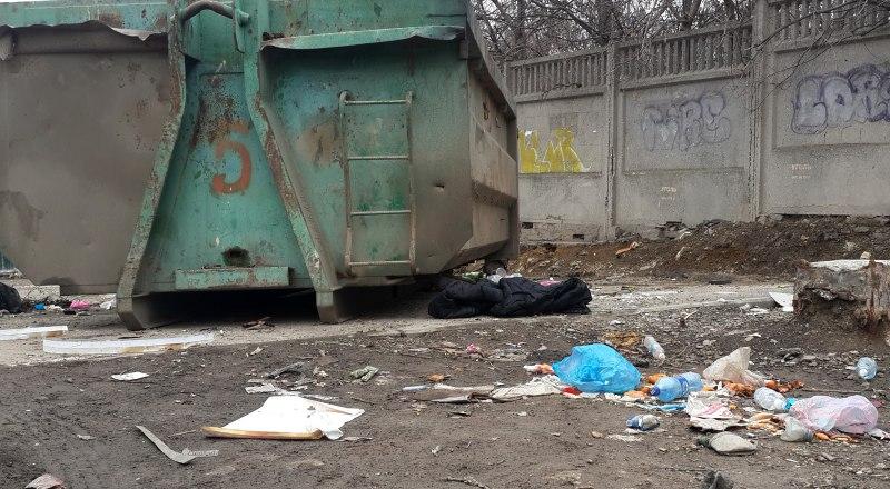 В целом города Крыма хорошо убирали на праздники. Но проблема вывоза мусора актуальна весь год.