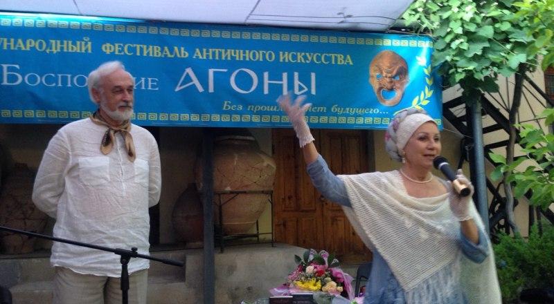 Константин Фролов и Вера Петровская в спектакле «Памяти сладкая мука».