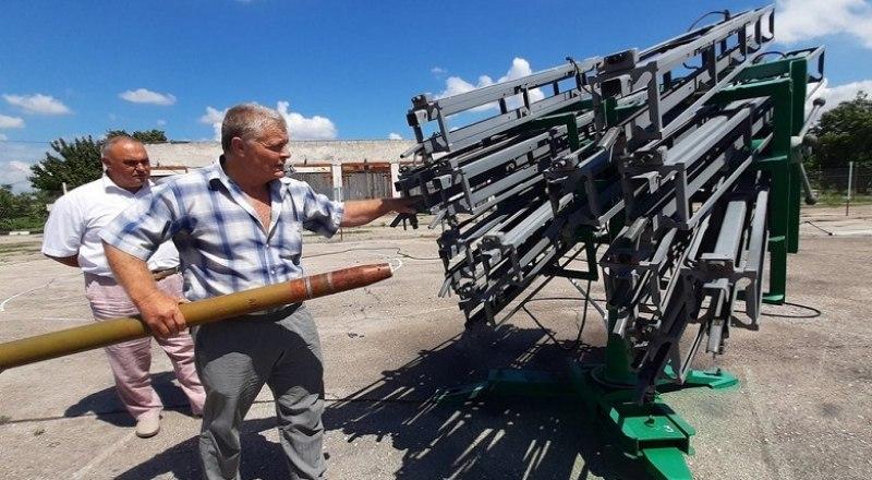 Противоградовая служба использует для защиты растений специальные ракеты с реагентом - йодистым серебром. Фото пресс-службы Минсельхоза РК.