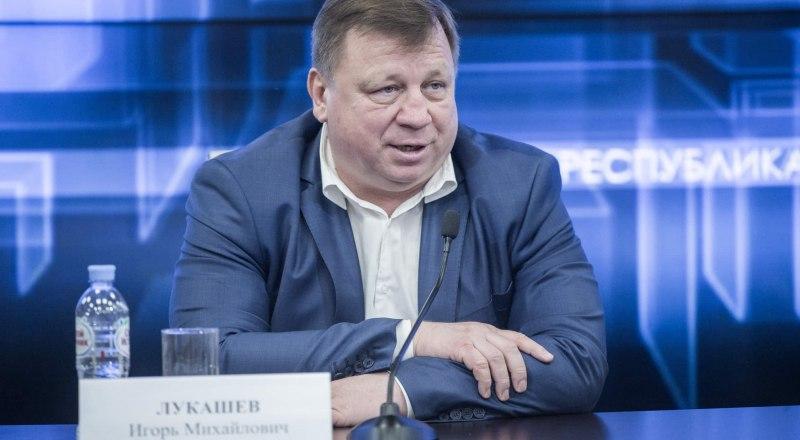 Игорь Лукашев признал свои ошибки и пожелал удачи будущему главе симферопольской администрации. Фото Константина михальчевского.
