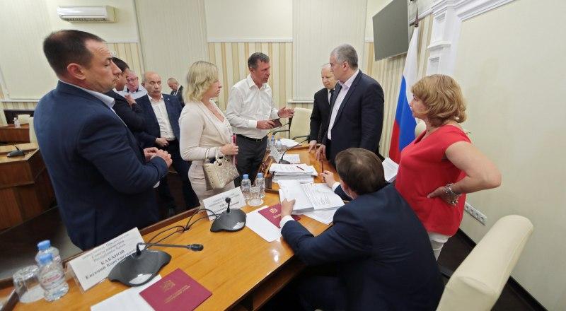 Процесс сбора, утилизации и сортировки мусора в Крыму планируют монополизировать.