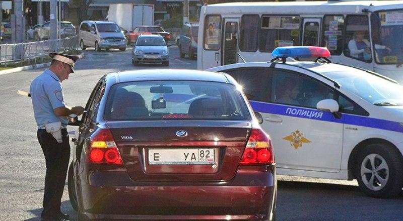 Водителей Крыма будут проверять целый месяц.