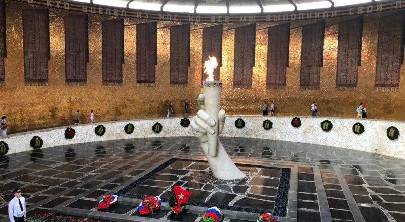 Пантеон Славы на Мамаевом Кургане.