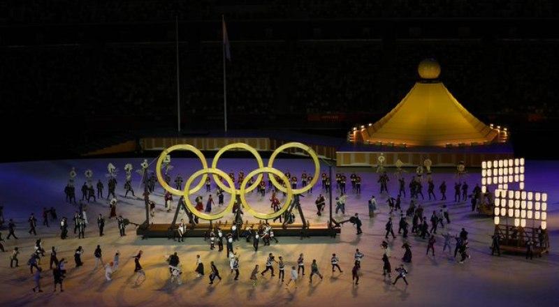 Олимпийские кольца для этой Олимпиады изготовлены из особой древесины. Деревья были посажены спортсменами 57 лет назад, когда в Токио впервые прошли Олимпийские игры.