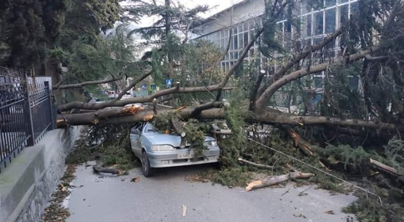 ДТП в Ялте на улице Володарского.