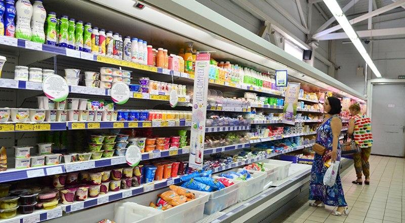Молочное и заменители в магазинах выделили разными ценниками.