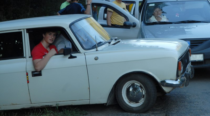 Особенно обидно платить все налоги владельцам старых машин. Фото: Александра Кадникова