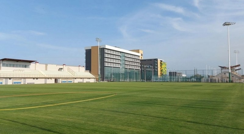 Пока на территории академии тишина, но скоро там зазвучат голоса будущих мастеров футбола.