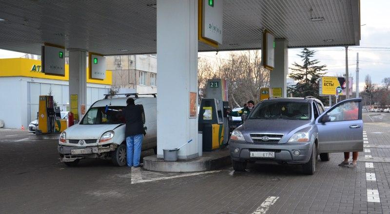 Некоторое время цены на бензин в Крыму оставались стабильными, но, похоже, это ненадолго.