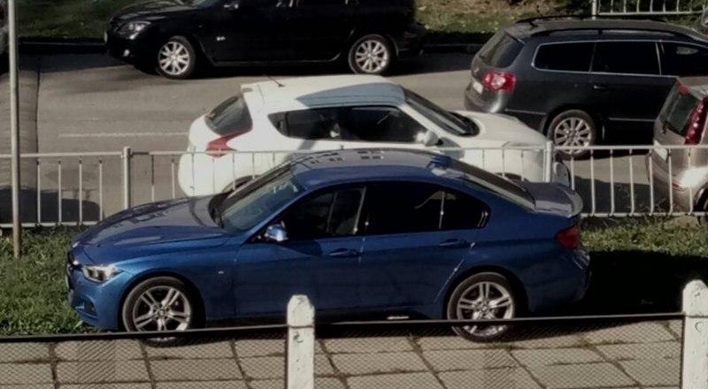 Парковка в Симферополе на улице Павленко, 4.