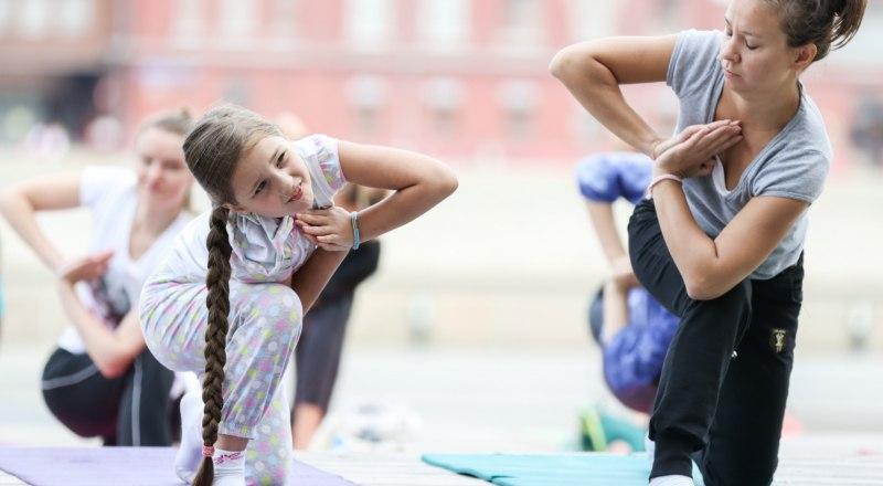 Йога - не панацея, но это реальный путь стать сильнее, спокойнее и здоровее.