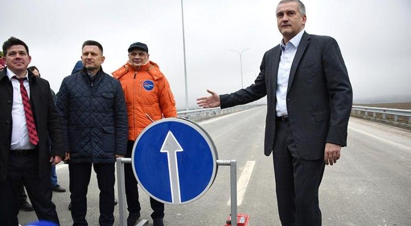 Глава республики одним из первых проехал по новой четырёхполосной дороге.
