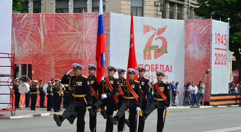 Юбилейный Парад Победы в Симферополе.